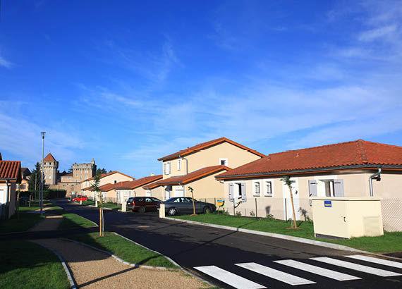 Maisons - Pomeys