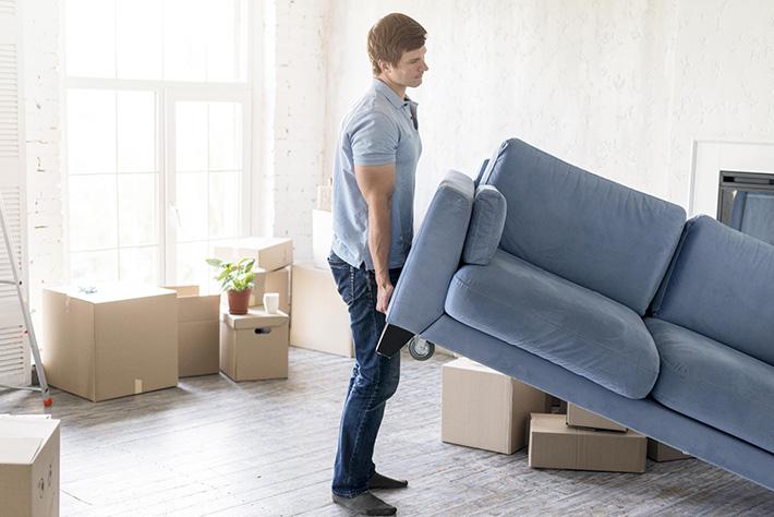 Les risques lorsqu'on déménage seul
